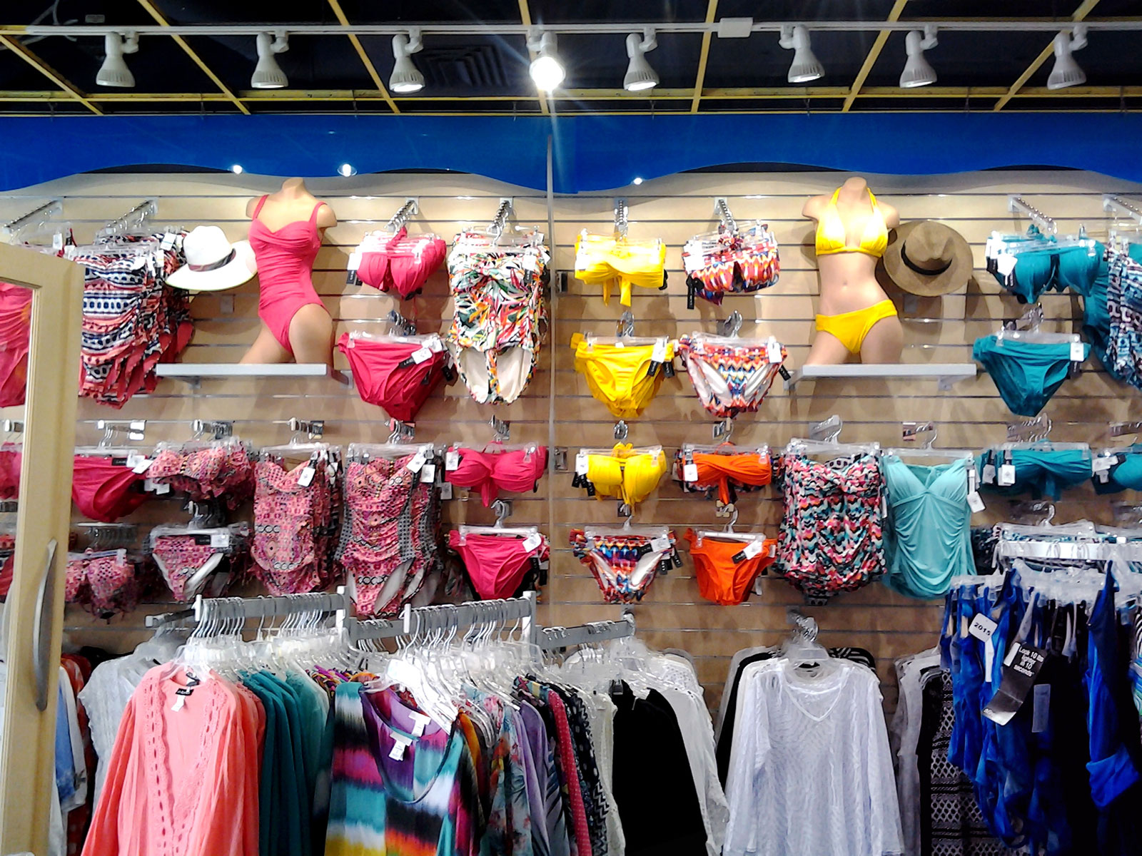 Bikini Retail Store Lighting In US