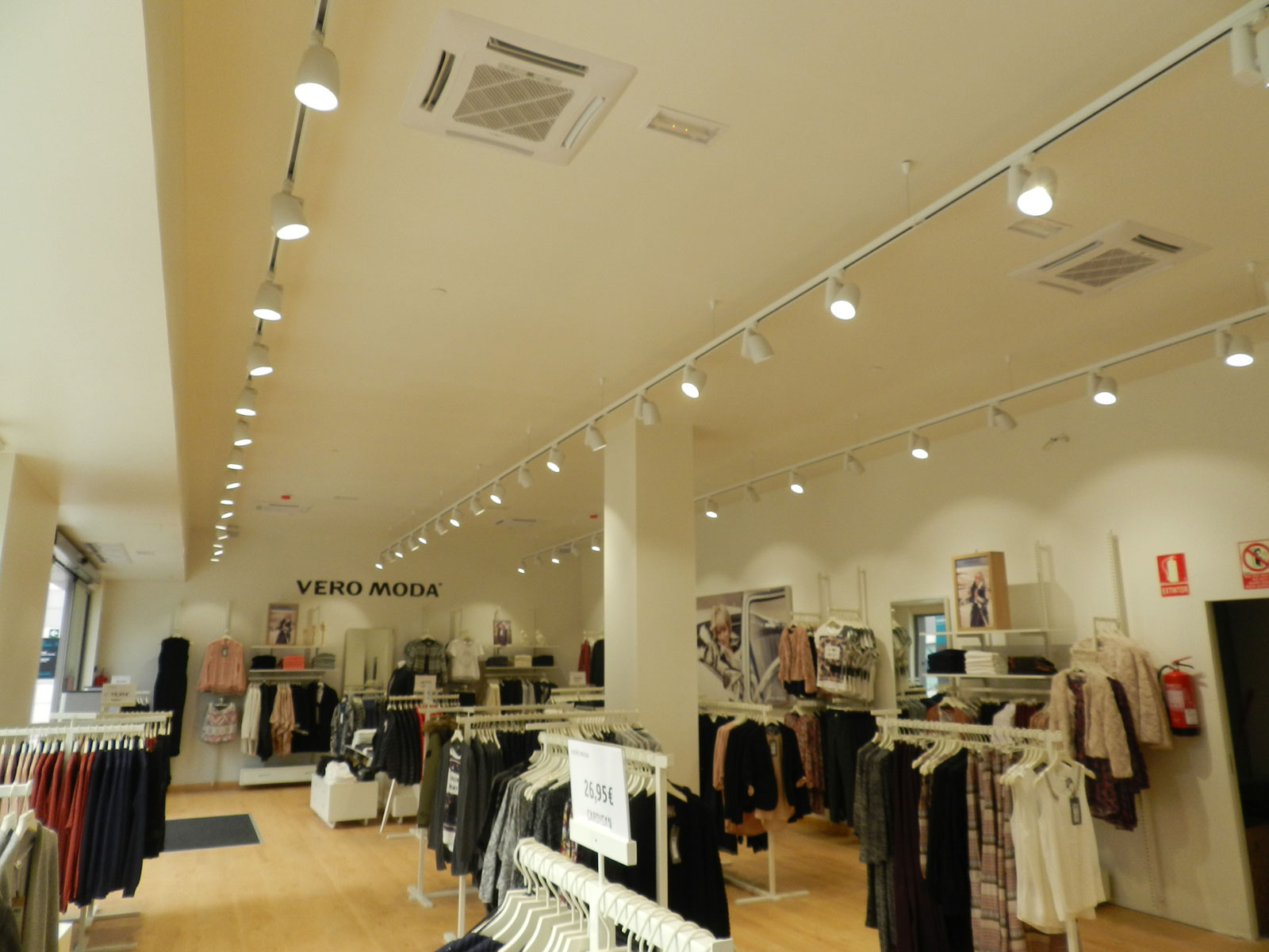 retail into lighting bring your store with light led the