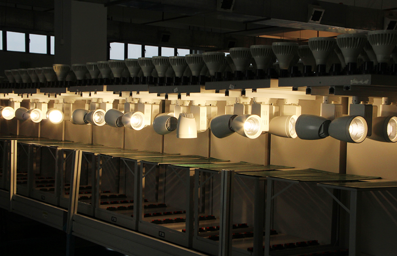 LED Track Light Aging Line